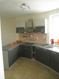 Kuchyňa šedá - mozaika - BMV Kuchyne Lakefront Homes, Feng Shui, Kitchen Cabinets, Home Decor, Decoration Home, Room Decor, Cabinets, Home Interior Design, Dressers