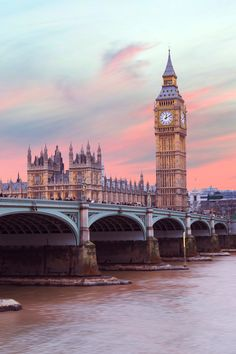 Top Bucket List Destinations In London You HAVE TO SEE! - These are the best London bucket list activities! Travel Photography Tumblr, Photography Beach, London Photography, Photography Ideas, London England Travel, London Travel, Voyage Europe, Europe Travel Guide, Budget Travel