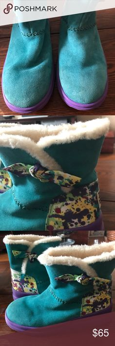"""Ugg boots tropical teal size 9 Size 9 ugg boots. Tropical teal paint splatter I heart knotty suede. 5"""" shaft , pull on, rubber sole with wool lining. Perfect condition. My daughter wore one time. UGG Shoes Ankle Boots & Booties"""