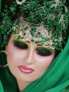 (makeup makeup Love this makeup, great job on the make up, absolutely stunning