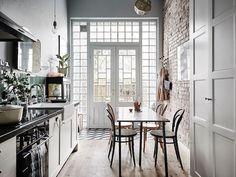 Wnętrza dnia, czyli bardzo stylowa aranżacja kuchni...  http://www.makehomeeasier.pl/mood-boards/interior-of-the-day-16/