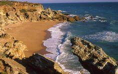 Las playas y calas de Conil de la Frontera (Cádiz) invitan al descanso / The beaches and coves of Conil de la Frontera (Cádiz) invite you to take a rest