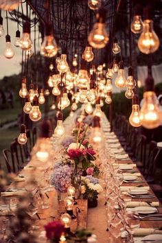 beautiful-table-decoration- if only I were able to set up those lights