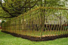 Ideas For A Garden Fence Design - Uncinetto Hedges, Fence Design, Garden Design, Living Willow Fence, Different Types Of Fences, Espalier Fruit Trees, Bush Garden, Natural Fence, Bamboo Garden