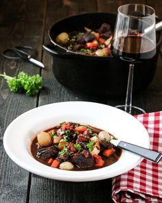 BOEUF BOURGUIGNON v. 2.0 | TRINES MATBLOGG Kung Pao Chicken, Bacon, Ethnic Recipes, Food, Beef Bourguignon, Meal, Essen, Meals, Yemek