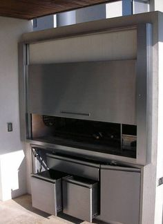 This listing has outdoor kitchen ideas with retractable and also long-term. Parrilla Interior, Spanish Kitchen, Outdoor Kitchen Bars, Jacuzzi Outdoor, Bbq Area, Backyard Patio Designs, Summer Kitchen, Cozy Place, Glass House