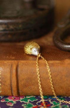 Alex Monroe / hedgehog necklace