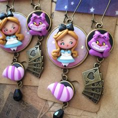 Fimo Clay, Polymer Clay Crafts, Polymer Clay Earrings, Biscuit, Pasta Flexible, Alice In Wonderland, Character Design, Kawaii, Christmas Ornaments