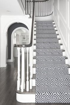 Stairs painted diy (Stairs ideas) Tags: How to Paint Stairs, Stairs painted art, painted stairs ideas, painted stairs ideas staircase makeover Stairs+painted+diy+staircase+makeover Carpet Diy, Cheap Carpet, Plush Carpet, Carpet Ideas, Black And White Stairs, Black White, Black And White Carpet, Green Carpet, Sweet Home