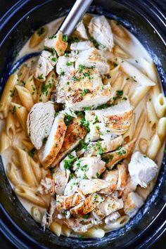 Pollo Alfredo, Alfredo Sauce, Recipe Alfredo, Pasta Alfredo, Broccoli Alfredo, Spinach Pasta, Slow Cooker Huhn, Slow Cooker Recipes, Easy Crockpot Recipes