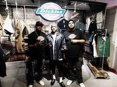 Edi Rock dos Racionais MCs visitando o showroom da Dickies. #fridom #dickies #edirock #racionaismcs