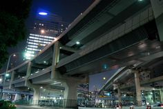 Metropolitan Expressway Route 2 Meguro Line and Route 3 Shibuya Line  - 六本木一丁目 谷町ジャンクション - by Chikako Nobuhara