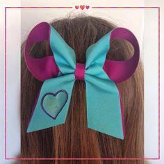 Mais um modelo de laço para se apaixonar! Esse vem com um coração em alto relevo e você pode encomendar o seu pelo  (48) 9193.6643  #lululaços #luluadultos #lulukids #lulunocolégio #coracao #lulubaby #luluinspiração #laços #laçoslindos #laçosdecabelo #enfeitesdecabelo #instafashion #heartfeelings #acessóriosdecabelo #cute #feitoamao #hairbow #handmade #hairaccessory #fashion #coisasdemulher #namoda #maedemenina #lancamento