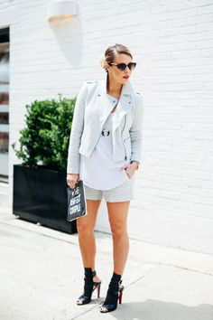 Courtney Kerr of What Courtney Wore featuring Banana Republic, Express, Christian Louboutin and Tory Burch. What Courtney Wore, Courtney Kerr, Spring Summer Fashion, Summer 2015, Fashion Pants, Street Style Women, Boyfriend Jeans, Casual Chic, Casual Outfits