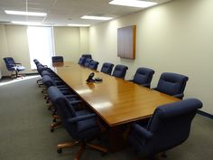 Inwood conference/boardroom with Paoli/Whitehall chairs and matching visual board, by Connecting Elements