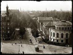 Plantage Middenlaan, 24 mei 1895  Olie fotografeerde de Middenlaan vanaf de Muiderpoort. Rechts het Aquariumgebouw van Artis.