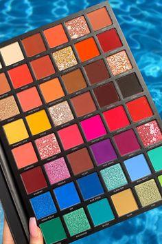 Drugstore Eyeshadow Palette, Pastel Eyeshadow, Blending Eyeshadow, Eyeshadow Makeup, Makeup Cosmetics, Best Colorful Eyeshadow Palette, Glitter Eyeshadow Palette, Makeup Brushes, Drugstore Makeup