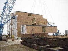 Modular units are being delivered and set in Williston, ND for a new four-story 114,212 sq.ft. modular hotel.