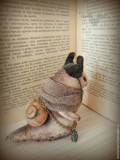 Snail toy stuffed doll artist by IrinaSTextileheart on Etsy Textile Sculpture, Soft Sculpture, Textile Art, Needle Felted, Wet Felting, Pet Toys, Doll Toys, Snail Art, 3d Figures