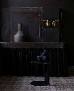 Small Table: NIX - Collection: B&B Italia - Design: Gabriele and Oscar Buratti