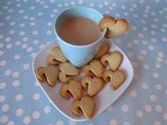 heart cookies hanging on a coffee cup (or milk)! Cupcakes, Cupcake Cookies, Sugar Cookies, Cookie Favors, Baby Cookies, Flower Cookies, Heart Cookies, Cafe Food, Food Humor
