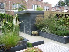misschien iets voor onze tuin. borders van hout. Backyard, Patio, Shed Plans, House Design, Outdoor Decor, Google, Home Decor, Tiffany, Garden Ideas