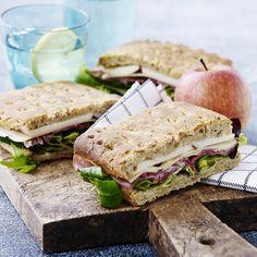 Sandwich med æble & lufttørret skinke