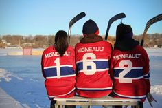 Hockey family picture. Montreal canadiens. Pond hockey. Hockey Pictures, Boy Pictures, Family Pictures, Christmas Card Pictures, Family Christmas Cards, Q Photo, Photo Shoot, Hockey Shot, Outdoor Rink