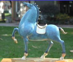 Resultado de imagen de esculturas de caballos