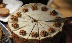Ujíždíte na zdravých dobrotách? Tak vyzkoušejte tenhle dokonalý mrkvový dort. Šťavnatá chuť mrkve a jablek navíc ve spojení s vlašskými ořechy. To je ...