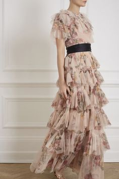 Shop dresconfidently's closet or find the perfect look from millions of stylists. Needle & Thread 2019 Venetian Rose Tulle T Most Beautiful Dresses, Pretty Dresses, Beautiful Outfits, Black Tie Wedding Guest Dress, Wedding Black, Spring Wedding, Wedding Dress, Formal Gowns With Sleeves, Formal Dresses