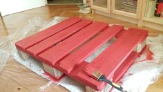DIY red coffee table from pallets