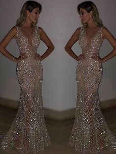 Silver Sequin Glitter V-Neck Sleeveless Elegant Maxi Dress Prom Dress. - Silver Sequin Glitter V-Neck Sleeveless Elegant Maxi Dress Ball Gown Evening Dress - Silver Sparkly Dress, Sparkly Prom Dresses, Deb Dresses, Pretty Prom Dresses, Dance Dresses, Beautiful Dresses, Silver Ball Dresses, Maxi Dresses, Long Silver Dress