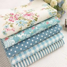 Beautiful Blue Flower Stripe Dot Printed Cotton Linen Fabric Bundles for DIY Sewing Decoration Fabric(China (Mainland)) Fabric Roses, Fabric Yarn, Linen Fabric, Shabby Chic Quilts, Diy Plaster, Cotton Linen, Printed Cotton, French Fabric, Mini Scrapbook Albums