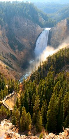 Yellowstone National Park is a national park located in the U.S. states of Wyoming, Montana and Idaho.