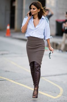 Fall is just around the corner & temps are about to drop, so why not throw on a nice pair of leather leggings underneath your skirt? This urban look is super hot!
