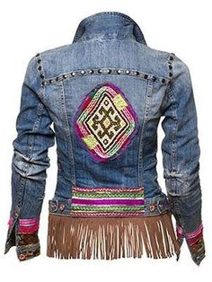 How cool is this vintage denim jacket? Ibiza Fashion, Fashion Mode, Denim Fashion, Vintage Jacket, Vintage Denim, Vintage Style, Denim Ideas, Bohemian Mode, Altered Couture