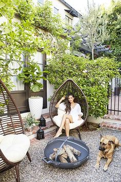 Nice Nook - You're Going To Want To Steal Shay Mitchell's Backyard Decor - Photos