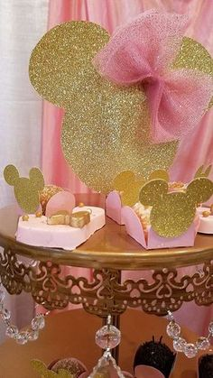 Pink and Gold Minnie Mouse Celebration Birthday Party Ideas Minie Mouse Party, Minnie Mouse Theme Party, Minnie Mouse Pink, Mickey Party, Baby Girl Birthday, Mickey Mouse Birthday, Cake Birthday, Minnie Golden, Birthday Party Decorations
