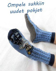 Helppo ja nopea tapa korjata sukka Rubber Rain Boots, Barbie, Shoes, Fashion, Kenya, Moda, Shoe, Shoes Outlet, Fashion Styles