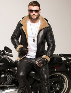 Men in Leather Biker Leather, Leather Men, Leather Pants, Leather Jacket With Fur, Leather Fashion, Mens Fashion, Biker Fashion, Motorbike Leathers, Sheepskin Jacket