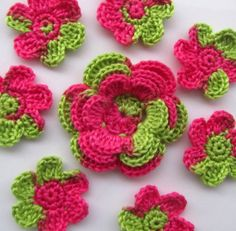 Crochet Flower Appliques in pink and green set of 8 by PomPomBlue, $5.50
