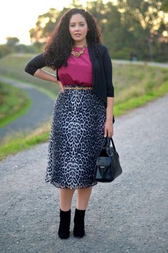 Normally i would never choose to wear animal print skirt, but this one, looks adorable, and im convince i wear this!!!