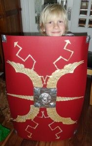 How To Make a Roman Shield with 'How To' video at www.familymakes.com Craft Activities For Kids, Crafts For Kids, Roman Shield, Roman Britain, Roman Soldiers, Ancient Rome, British History, School Projects, Homework