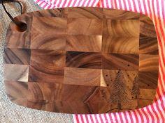 Woodburned cutting board by HammersandSpatulas on Etsy https://www.etsy.com/listing/476401590/woodburned-cutting-board