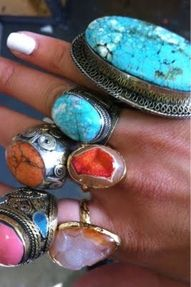Oh, how I love turquoise and big rings. Look a win-win! Bohemian Jewelry, Bohemian Style, Boho Gypsy, Boho Chic, Indian Jewelry, Gypsy Style, Tribal Jewelry, Hippie Chic, Hippie Style