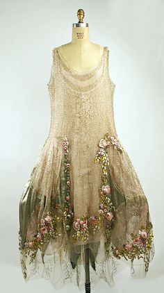 Boué Soeurs, Court Presentation Ensemble with Applied Rosettes, French, 1928. (Front View)