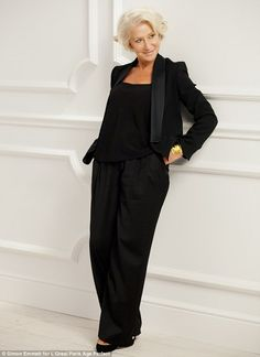 """aprilwearsgucci: """" Move over Cheryl & Co, at the age of 69 Dame Helen is new face of L'Oreal Dame Helen Mirren is today unveiled as new face of cosmetics brand L'Oreal What? Helen Mirren is Helen Mirren, Dame Helen, Mein Style, Mature Fashion, Elsa Peretti, Advanced Style, Ageless Beauty, L'oréal Paris, Aging Gracefully"""