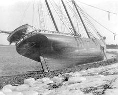 Vintage Boats, Shipwreck, Tall Ships, Sailing Ships, Sailor, Public, France, Sailboat, French