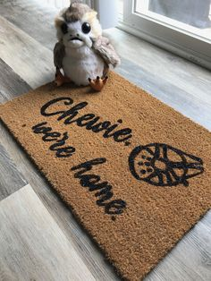 Make your own Star Wars welcome mat with this Cricut stencil. Decoration Star Wars, Star Wars Decor, Star Wars Art, Decorations, Nerd Decor, Cricut Stencils, Star Wars Halloween, Star Wars Room, Cricut Explore Air